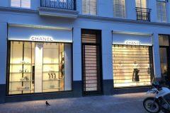 Lichtreclame Chanel Amsterdam